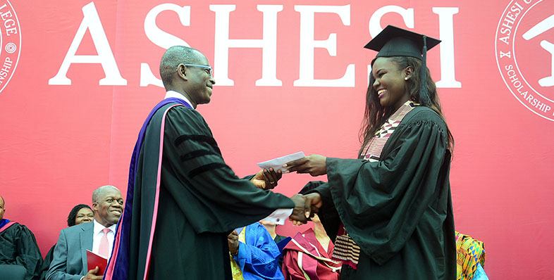 Gift Coordinator, Portia Honu '15, presents class gift to Ashesi